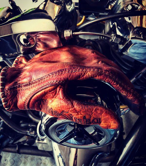 Motostuka-red-bloody-gloves