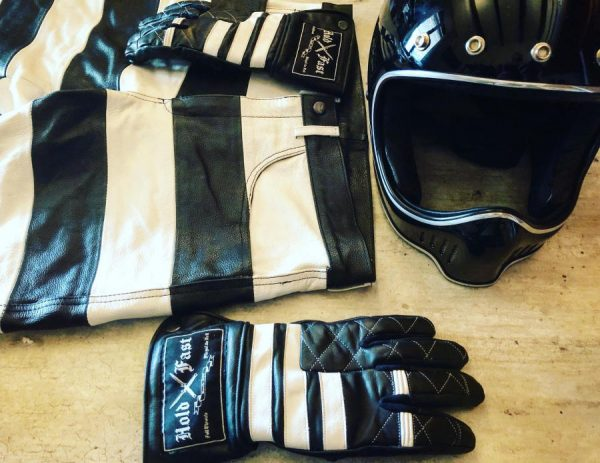 veste-prisonnier-gants-holdfast
