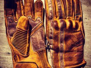 Gants-cuir-moto-Retro-jaune-patinés-le mans-1971-vintage-Holdfast