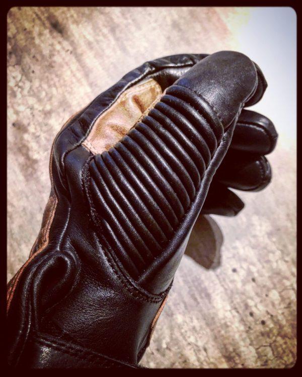 gants-moto-cuir-noir-vintage-le mans-1971-HoldFast-hiver-pouce-renforcés