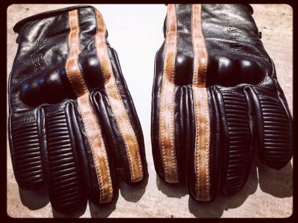 gants-moto-cuir-noir-vintage-le mans-1971-HoldFast-paire