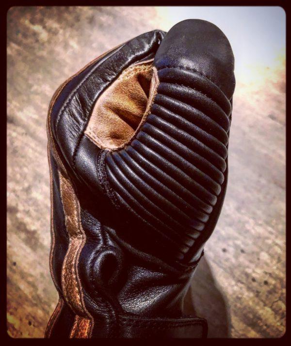 gants-moto-cuir-noir-vintage-le mans-1971-HoldFast-pouce